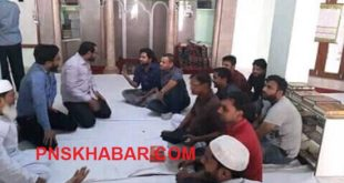 HINDU ENTER MOSQUE AND TEACH ISLAM 1 050518